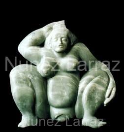 Barende vrouw, steatiet (ook in brons), 27x28x9cm