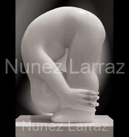 Bukkend meisje, albast (ook in brons), 58x36x28cm